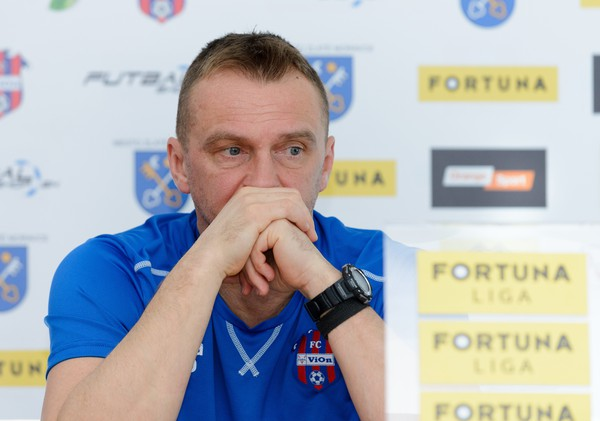 Karol Praženica, tréner ViOnu