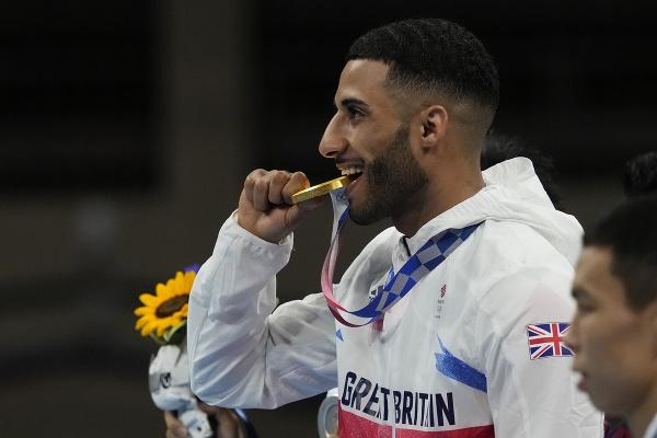 Olympijským šampiónom v mušej