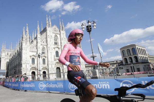 Egan Bernal víťazom Giro