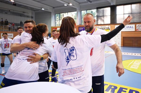 Hádzanárky Michaloviec a tréner