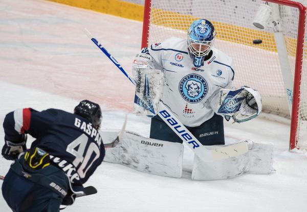 Rastislav Gašpar (Slovan) dáva