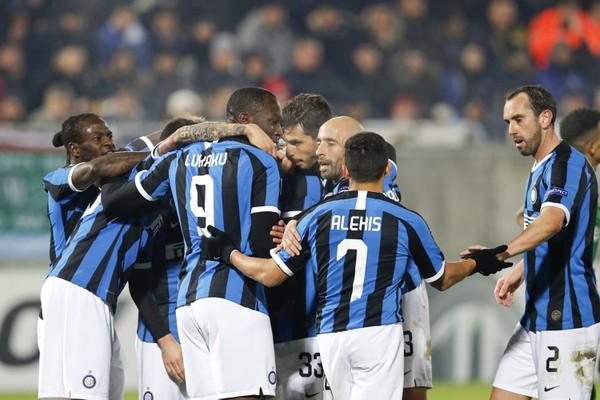 Na snímke hráči Interu