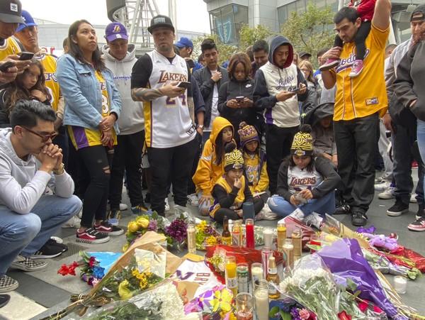 Zdrvení fanúšikovia Kobeho Bryanta