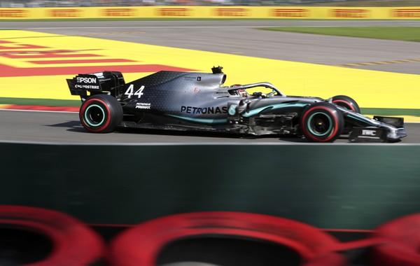 Britský jazdec F1 Lewis