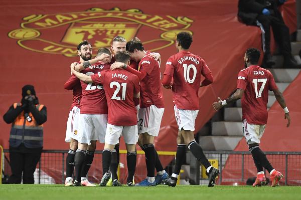 Futbalisti Manchestru United oslavujú