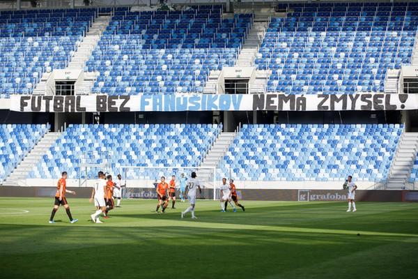 Transparent s nápisom Futbal