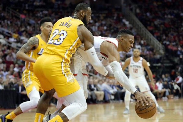 LeBron James a Russell