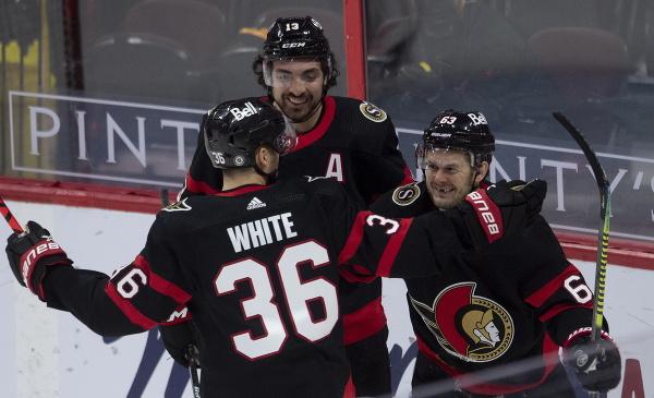 Gólové oslavy hráčov Ottawy