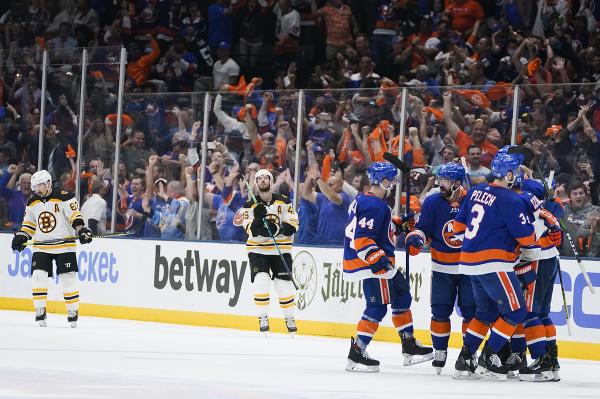 New York Islanders postúpil