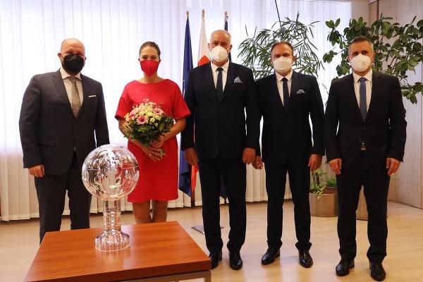 Minister obrany privítal Vlhovú