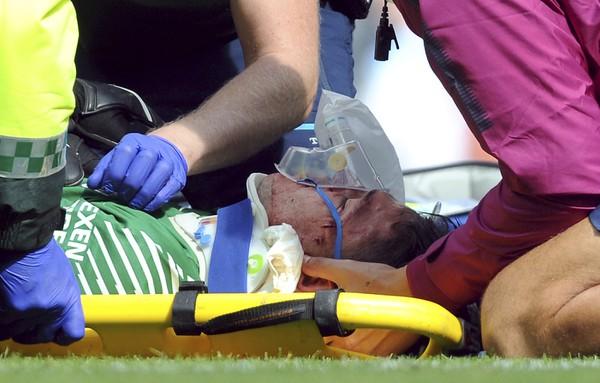 Zranený brankár Ederson v