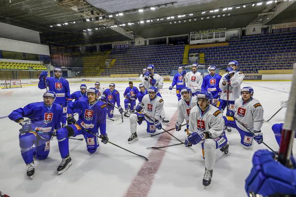 Prvý oficiálny zraz slovenskej