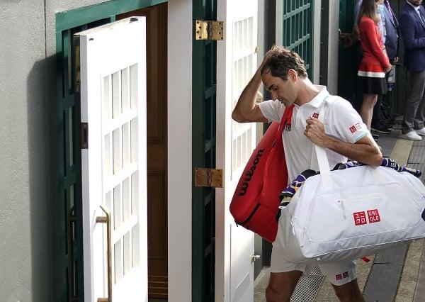 Lúčiaci sa Roger Federer