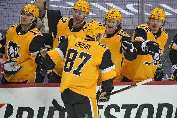 Sidney Crosby oslavuje so