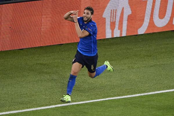 Manuel Locatelli oslavuje gól