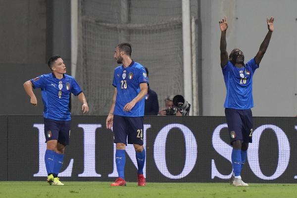 Talianski futbalisti sa radujú
