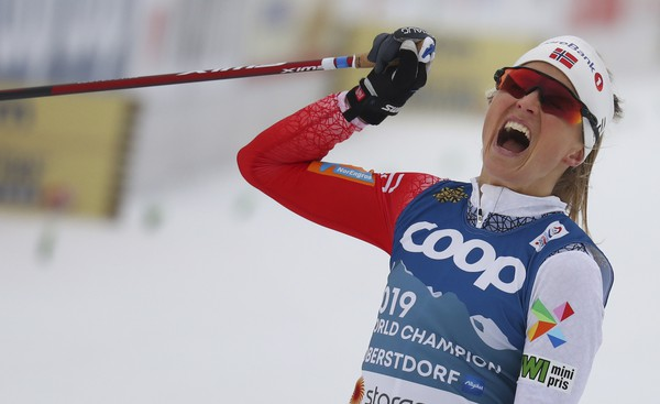 Therese Johaugová v Oberstdorfe
