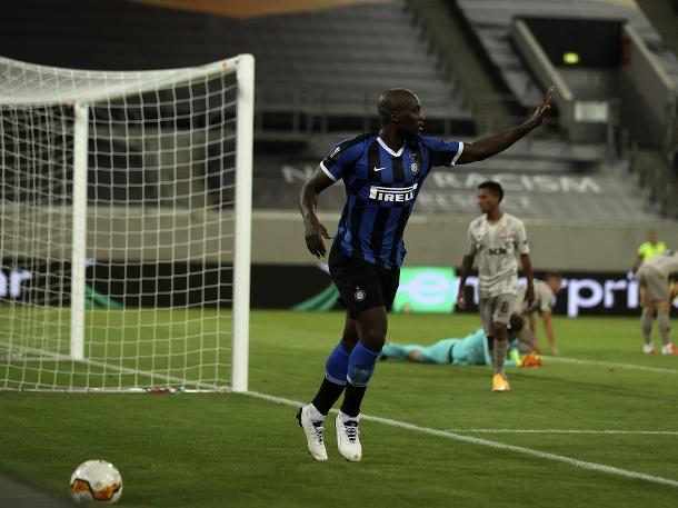 Milánsky Inter druhým finalistom