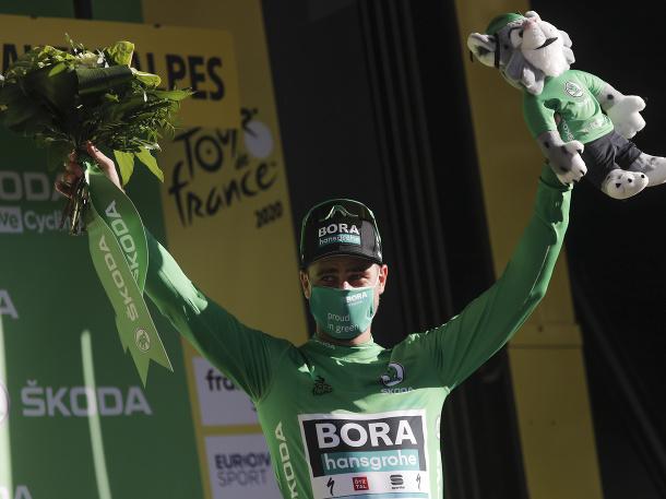 V zelenom aj po prvej horskej etape