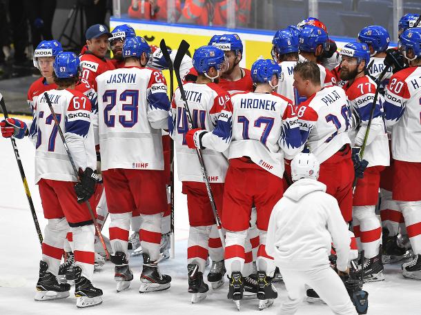 Radosť hráčov Česka po víťazstve nad Nemeckom