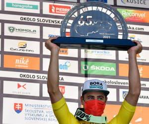 Svojej povesti šampióna nezostal Peter Sagan nič dlžný